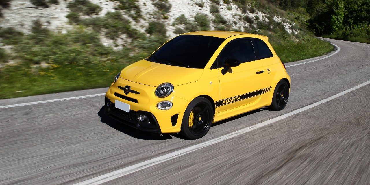 2018-abarth-595-review-1_20190528-094528_1